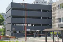 商業施設の駐車場