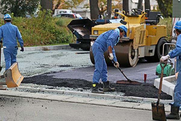 舗装工事の様子